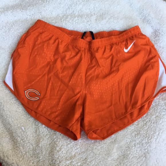 c4895f43 Nike athletic shorts, Chicago Bears, orange Medium